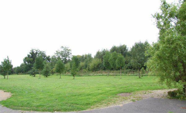 Rowley Close and Pessall Brook
